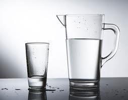 Не забывайте пить воду во время диеты. Нужно выпивать до 3х литров в сутки