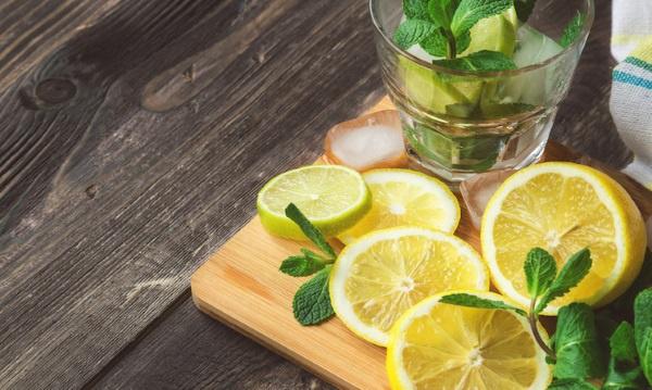 Вода с лимоном и мятой