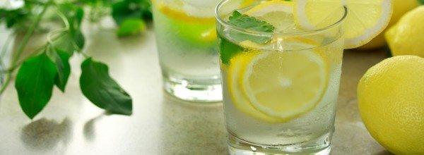 Как готовить и пить воду с лимоном, чтобы похудеть?