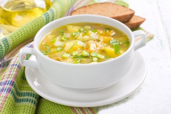 Суп с репчатым луком и луком-пореем