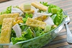 Салат с кукурузой и пармезаном