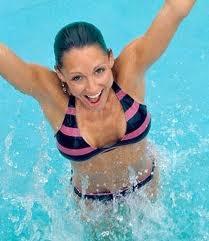 плавание для похудения бедер