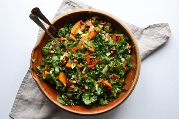 Салат с тыквой и зеленью