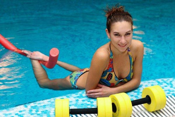 Занятия в басейне